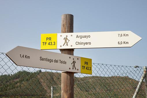 Hinweisschilder überall beim Rundgang um den Chinyero, Casa Madera, Wandern