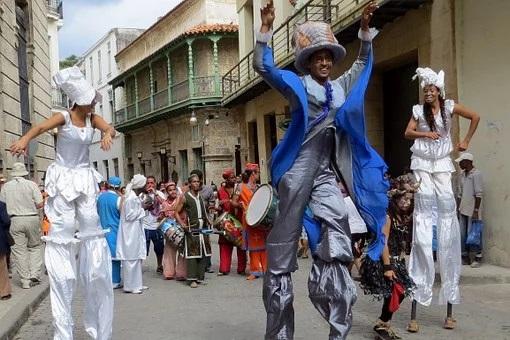Der Tuntenlauf gehört zum Karneval dazu, Der Tuntenlauf auf Teneriffa, Karneval und Casa Madera