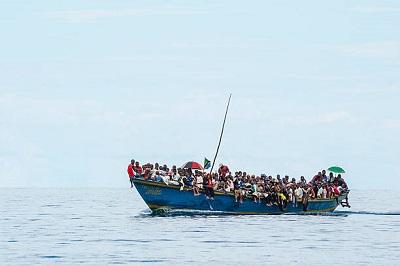 Hoffen auf eine bessere Zukunft, Migrantenboot