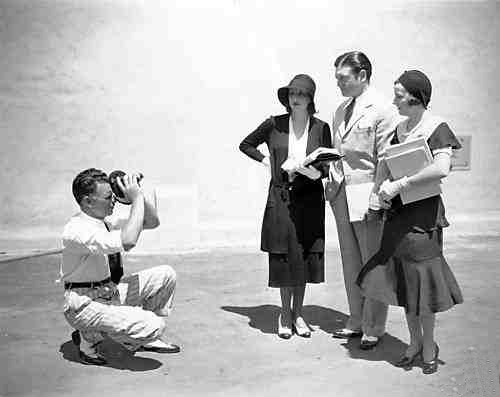 Wesley Ruggles with his Bell-Howell home movie camera and Estelle Taylor, Richard Dix and Irene