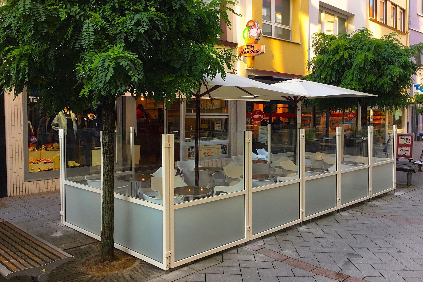 Windschutzanlagen Und Systeme Terrassenprofis Aussengastronomie