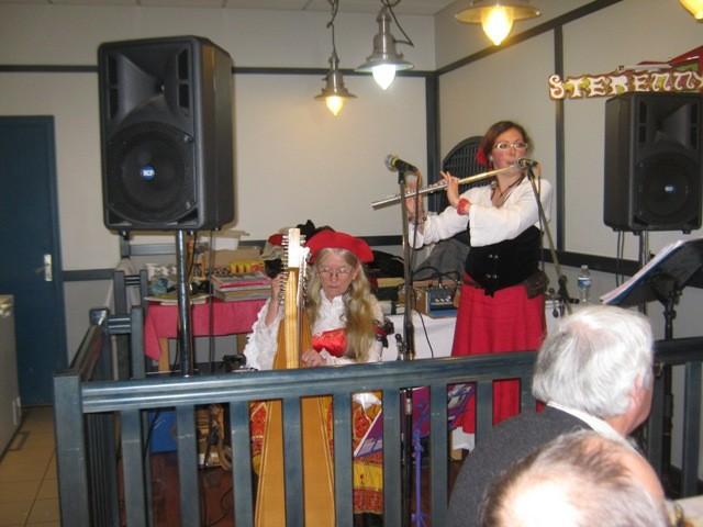 Concert cabaret pour un repas - Arzon- déc 2011