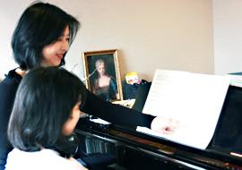 文京区ピアノ教室おおもり先生のレッスン風景