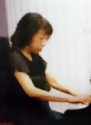 女性ピアノ講師北区豊島のヒロコ先生