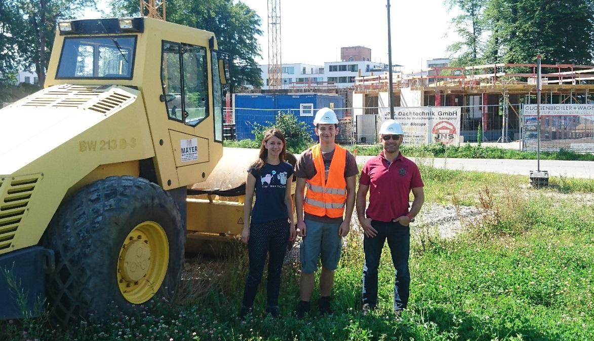 Mit dem Team bei der Baustellenbesichtigung.