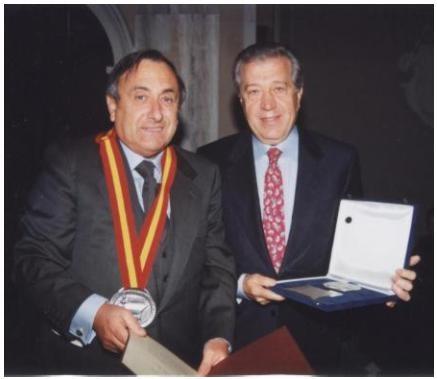 Il dott. Bologna con il nostro presidente, Renzo Pero