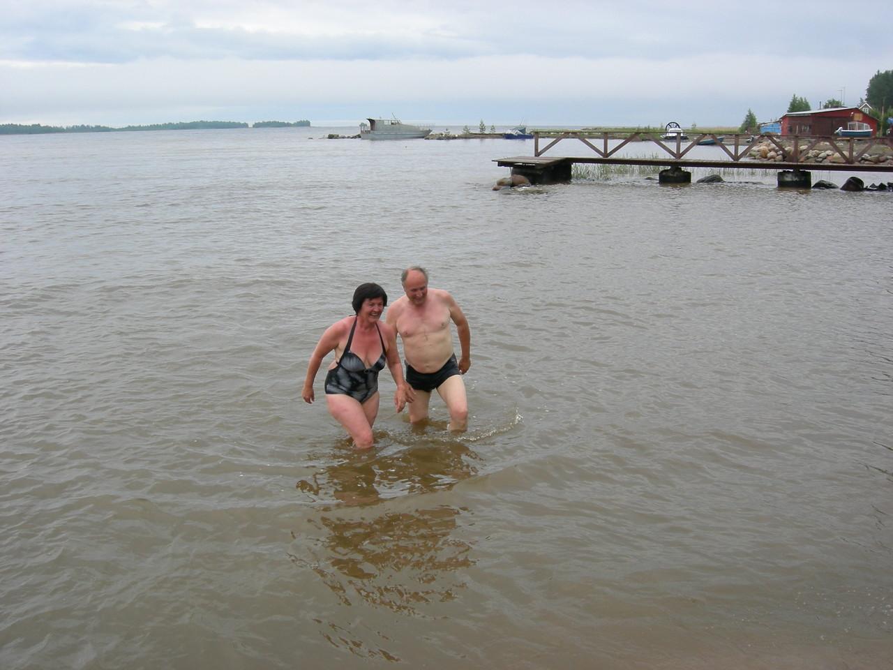 nach der Sauna ist das Wasser nicht zu kalt