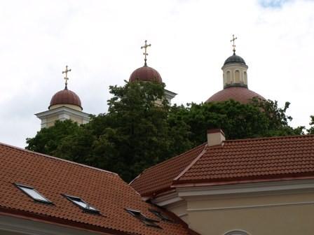 typisch, mehrere Türme auf der gleichen Kirche