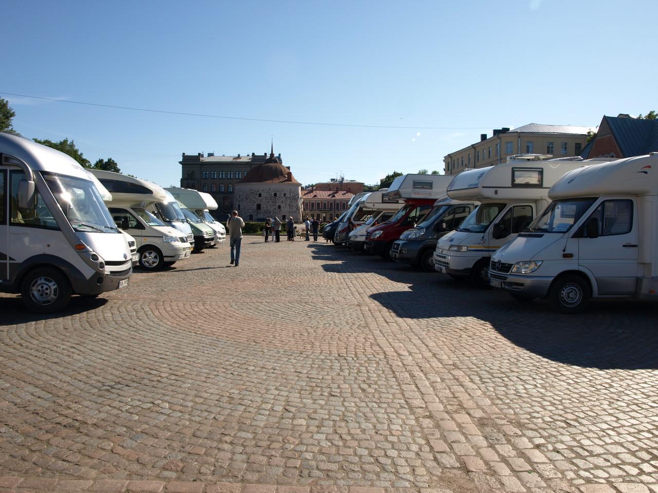 In Wyborg stehen wir mitten auf dem Marktplatz