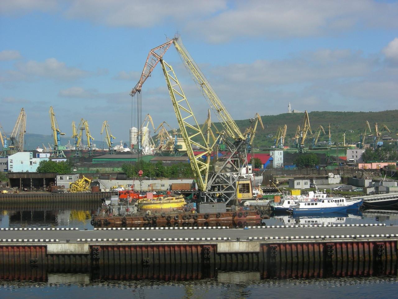 Blick auf den murmansker Hafen