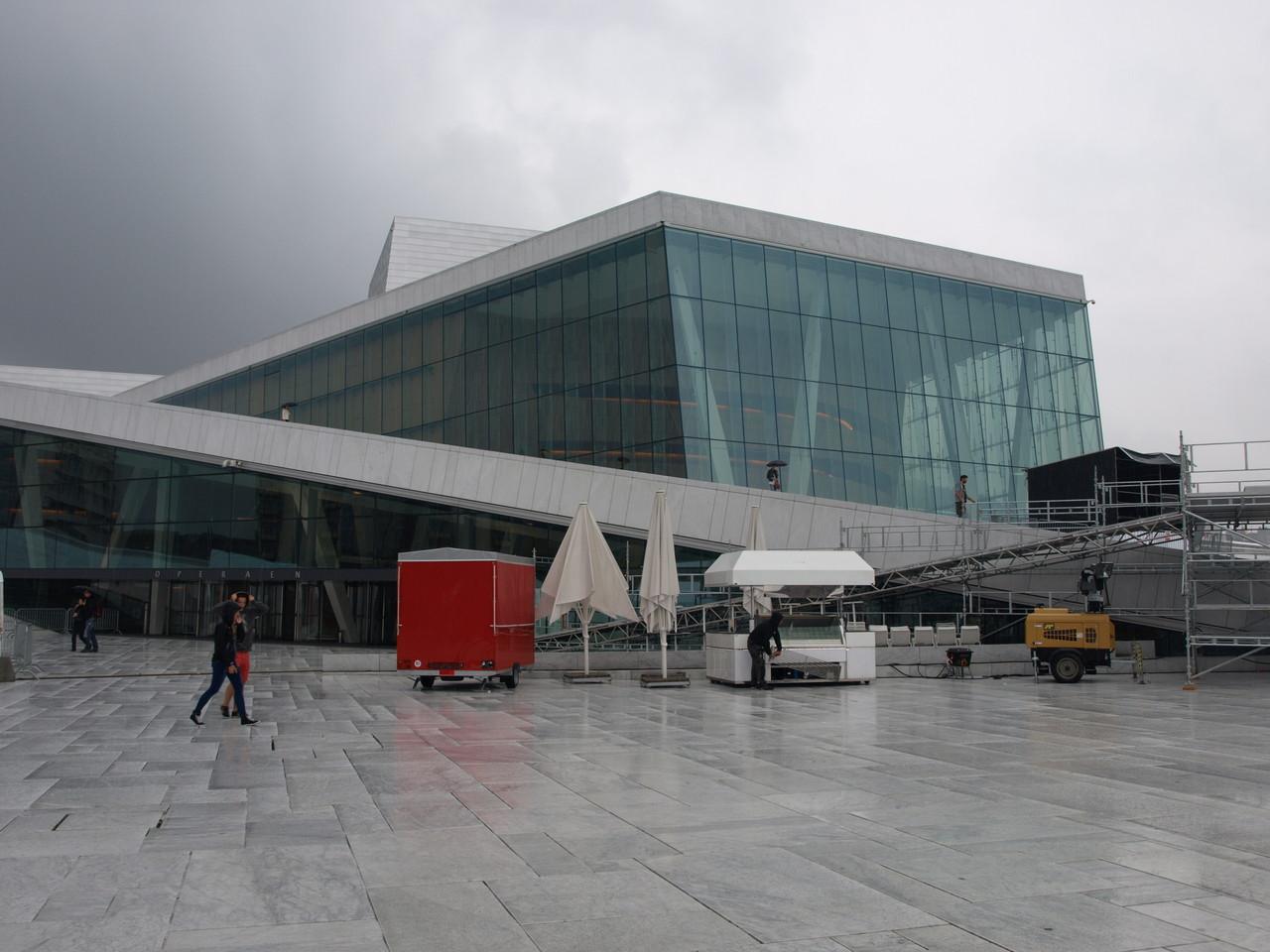 die Oper - im Regen