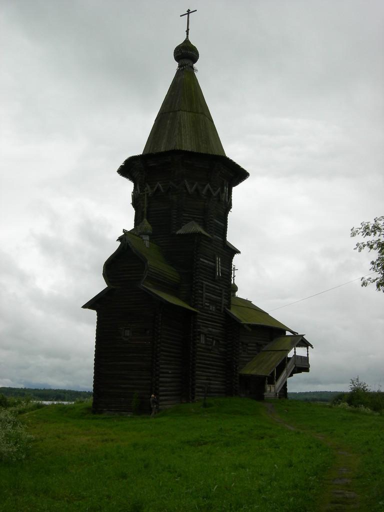 Holzkirche, wie man sie auch in Norwegen findet