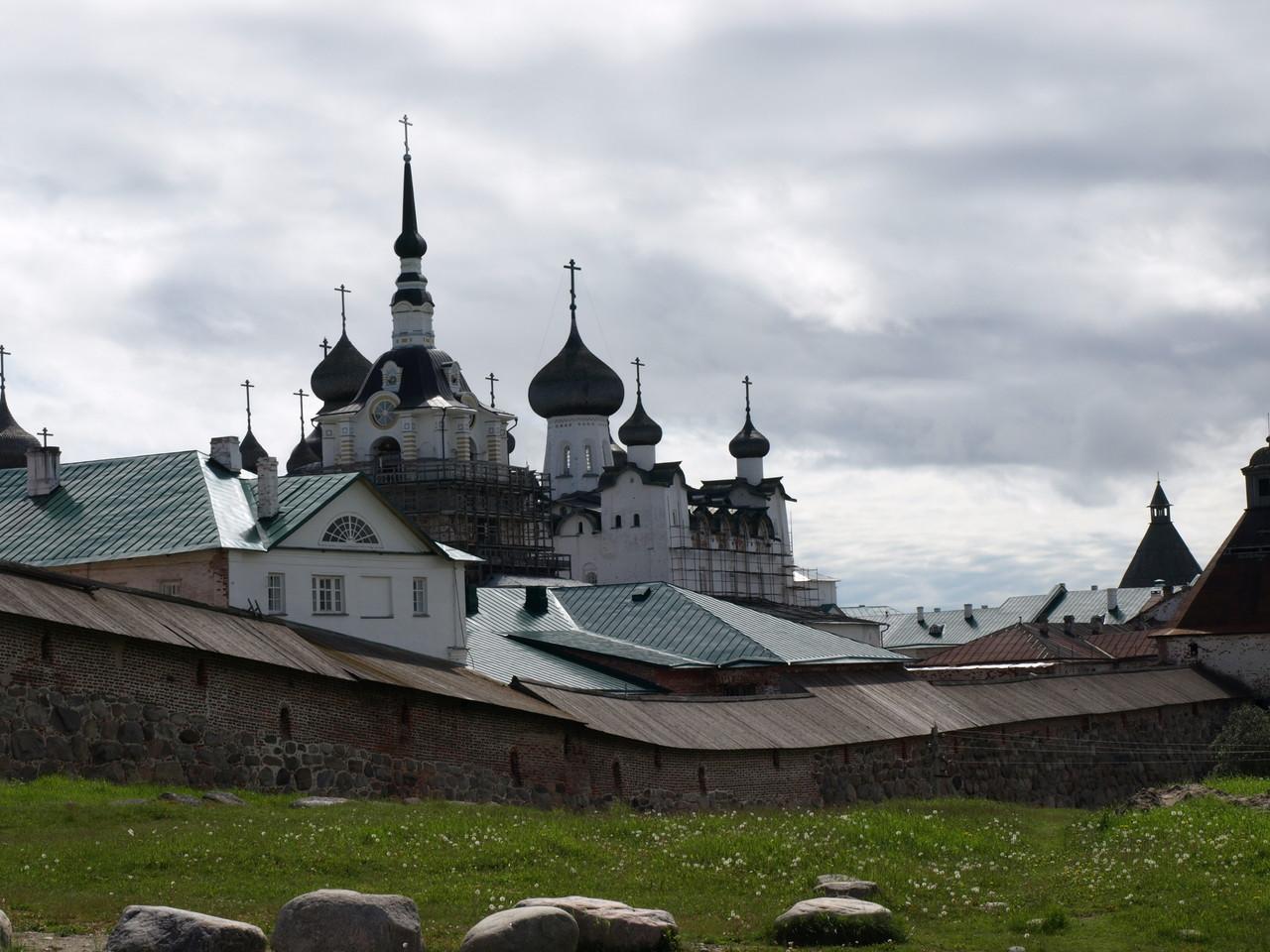 Das Kloster von aussen