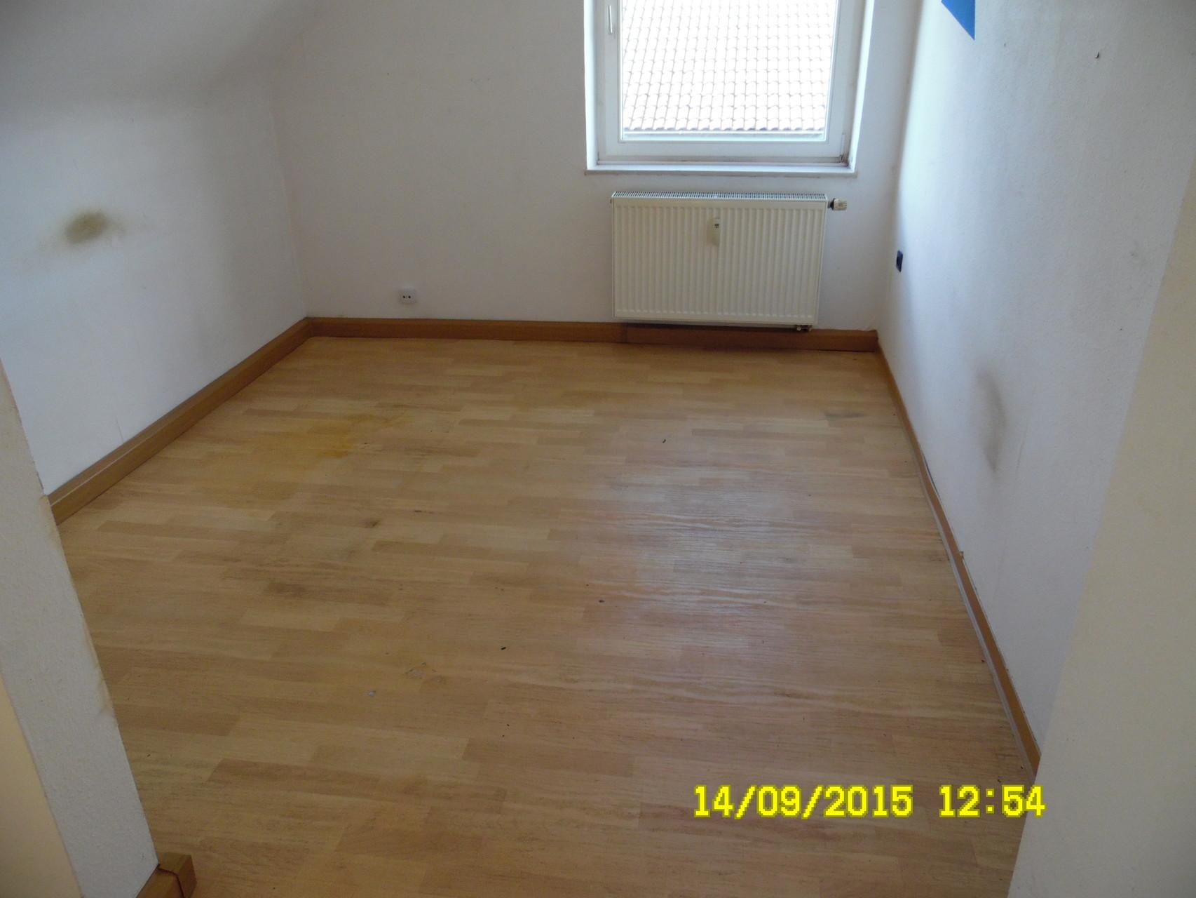 Der Boden wurde 3 mal Gereinigt.