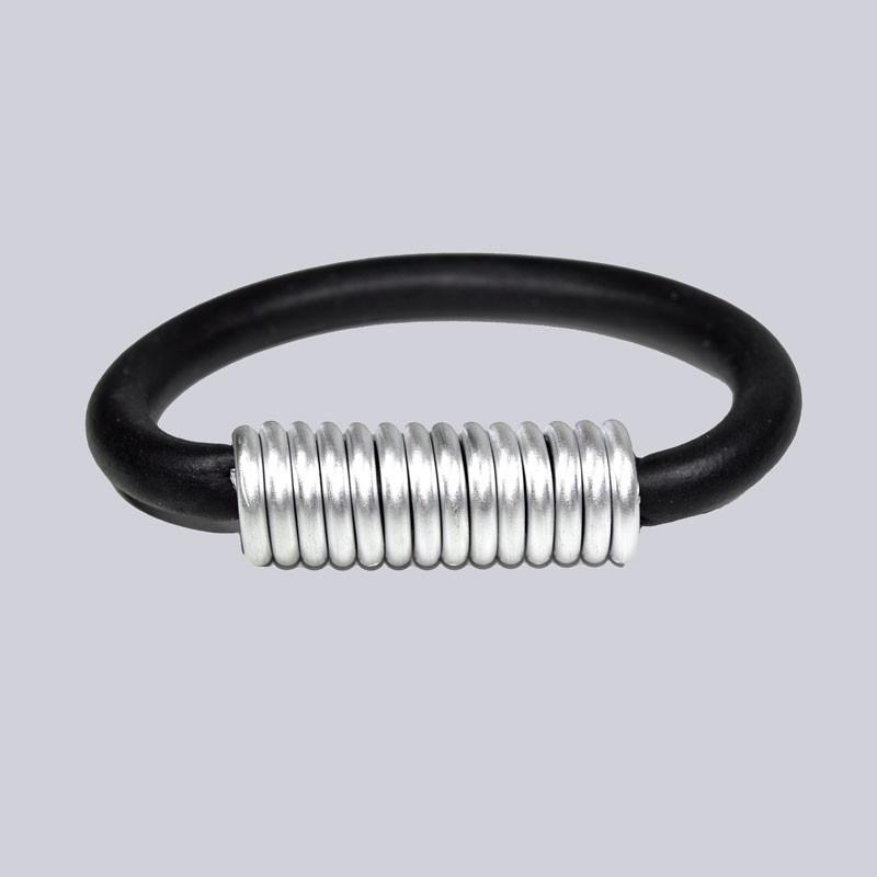 Wunderschönes Armband. Extravaganter Modeschmuck designed by My-Levanjo.