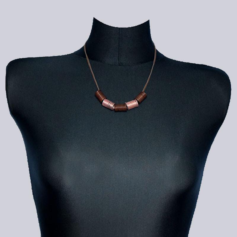 Wunderschöne, kurze Halskette. Extravaganter Lagenlook-Modeschmuck designed by My-Levanjo
