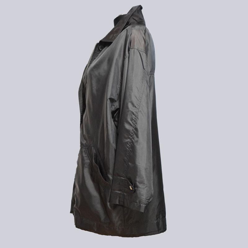 Eine schöne Jacke für den Übergang. Wind- und wasserabweisend.