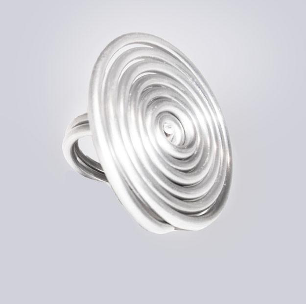 Großer Lagenlook Ring. Silberfarben. Extravaganter, großer Modeschmuck, designed by My-Levanjo.