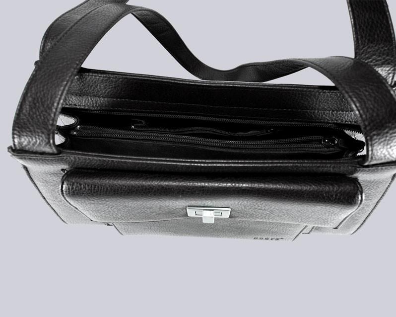 Schöne, schwarze Handtasche.
