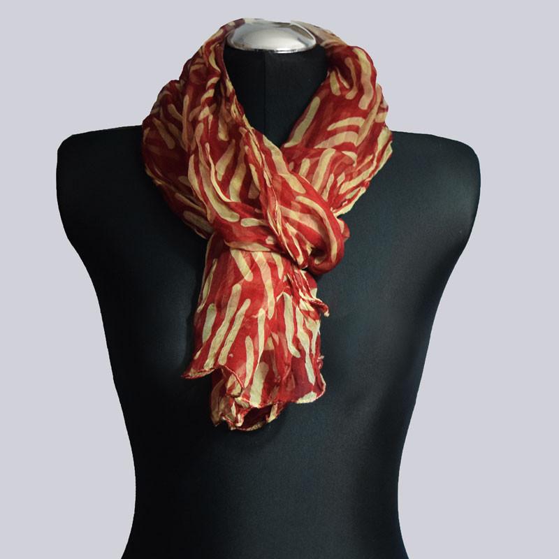 Ein wunderschöner, leichter Schal.