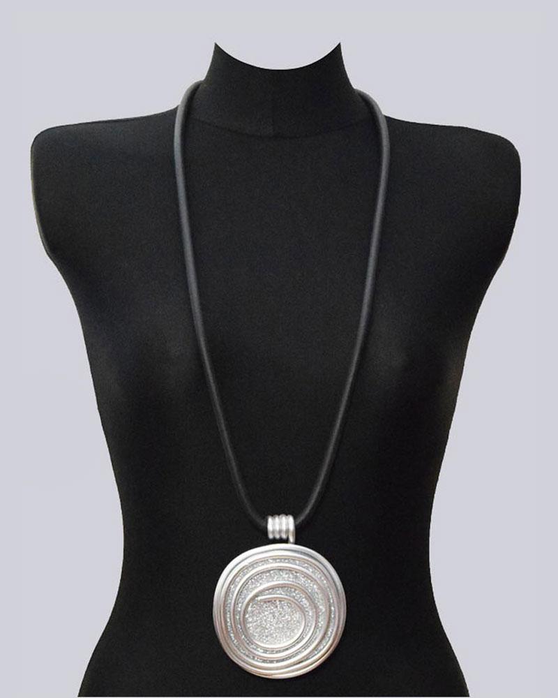 Wunderschöne, lange, silberfarbene Lagenlook Halskette. Extravaganter Modeschmuck. Handmade Design by My-Levanjo.