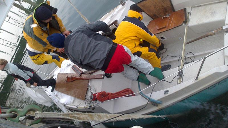 Leckbekämpfung auf See
