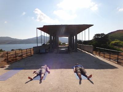 Yoga auf N. Moni