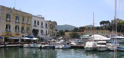 Hafen auf der Insel Procida