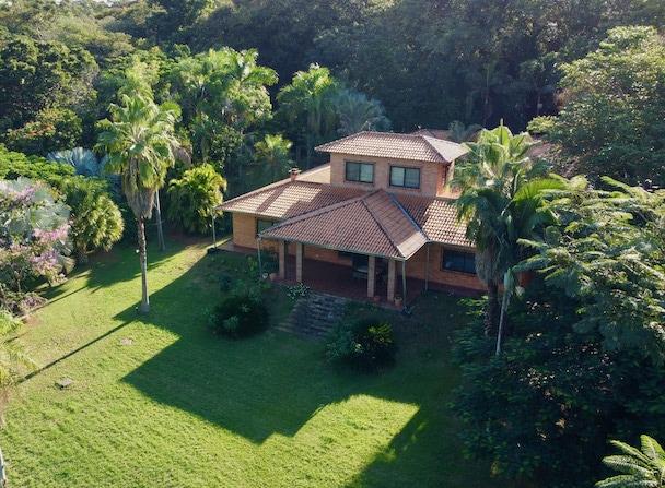Atrium-Villa (13,5 Hektar) in Nueva Columbia #215