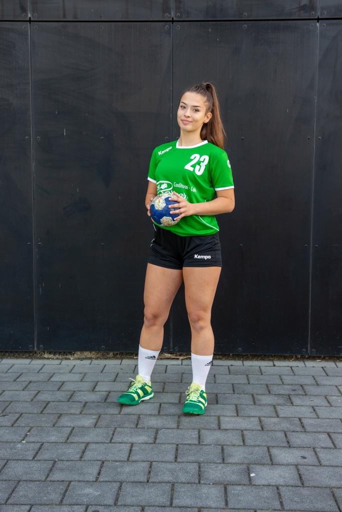 #23 Alexandra Micu