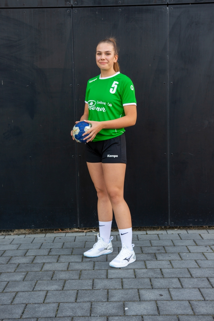 #5 Laura Strelek
