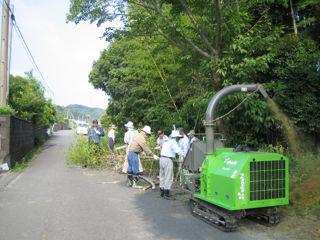 高和地区竹を伐採してチッパー処理