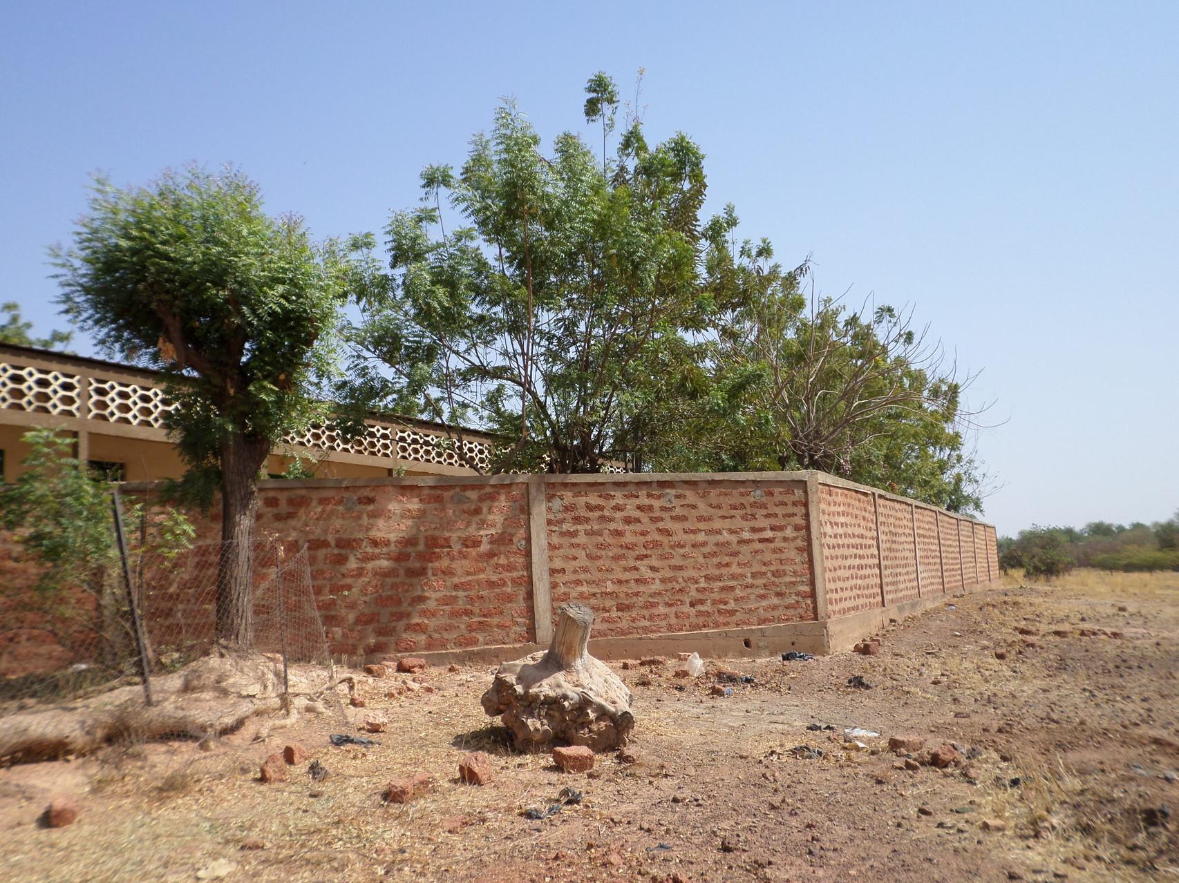 Mur du Cren, financé par la fraternité Morlaix-Réo (1)