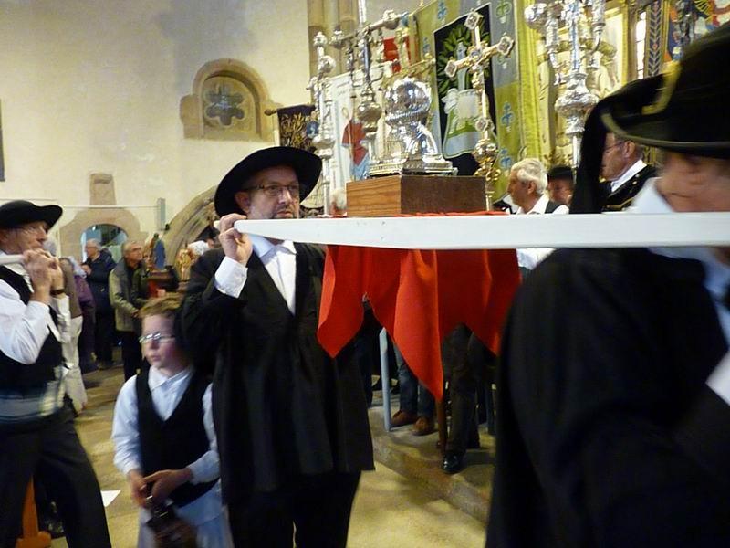 La procession arrive à son tour (3)