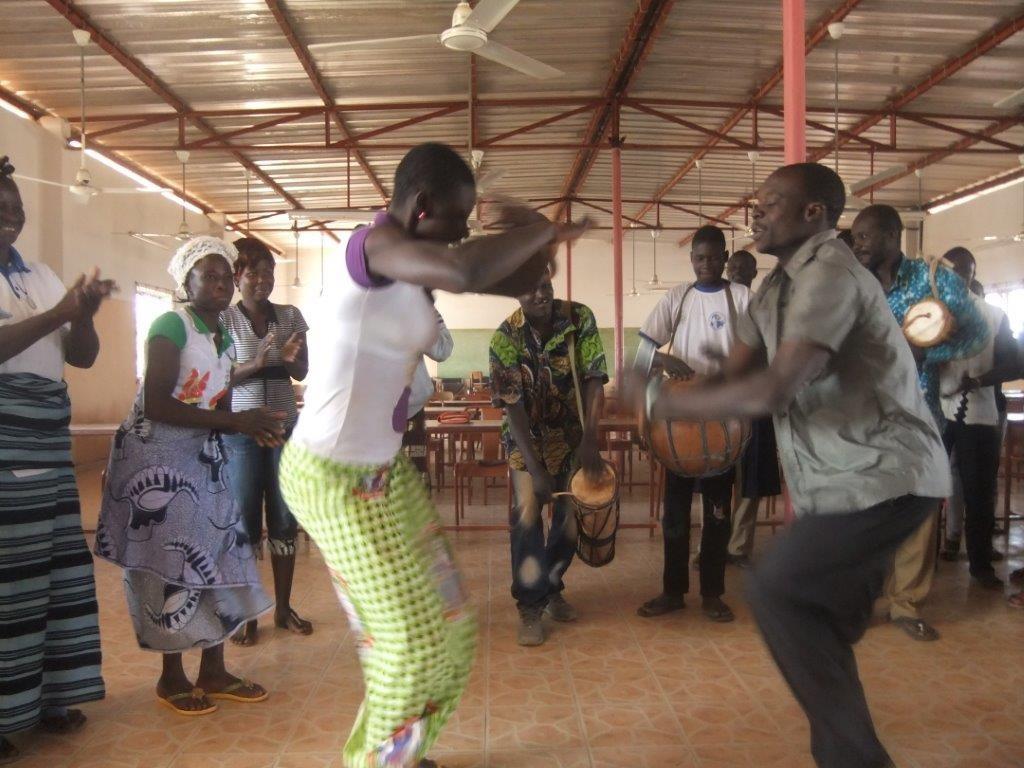 Danses d'accueil (2)