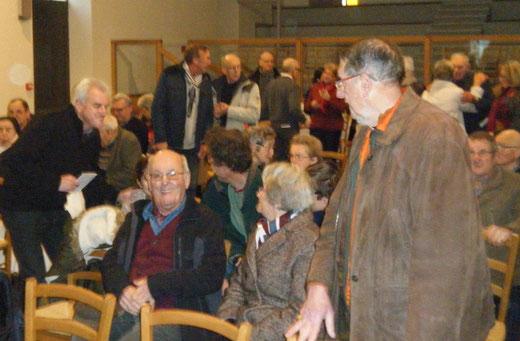 Samedi 13/01 - 10h30 - Centre Jean-Paul 2.    Salle comble autour du père Yves Laurent et de Jean Hirrien.