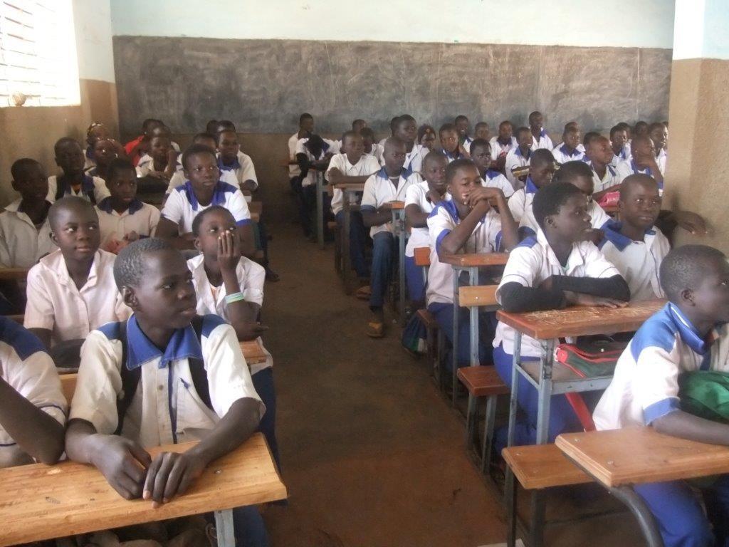 Une des classes du collège Saint Anthyme