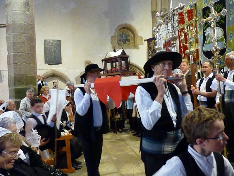La procession arrive à son tour (4)