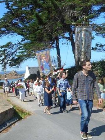 6-Faire procession dans un cadre aussi beau, qu'y a-t-il de mieux?
