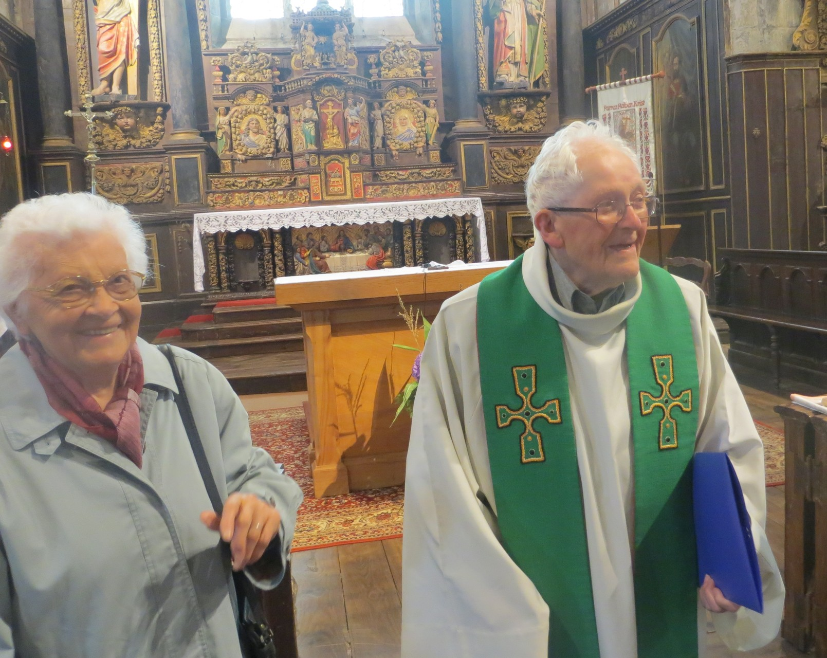 Le P. René GAUTHIER et Sr Simone … 93 ans chacun … décidément, le sourire n'a pas d'âge !