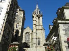 Eglise Saint Melaine et son parvis (MORLAIX)