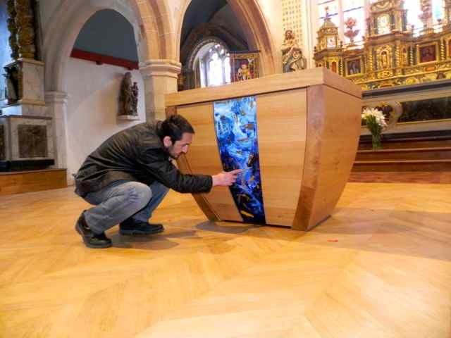 Le montage de l'autel à l'église de Plougasnou (1/7)