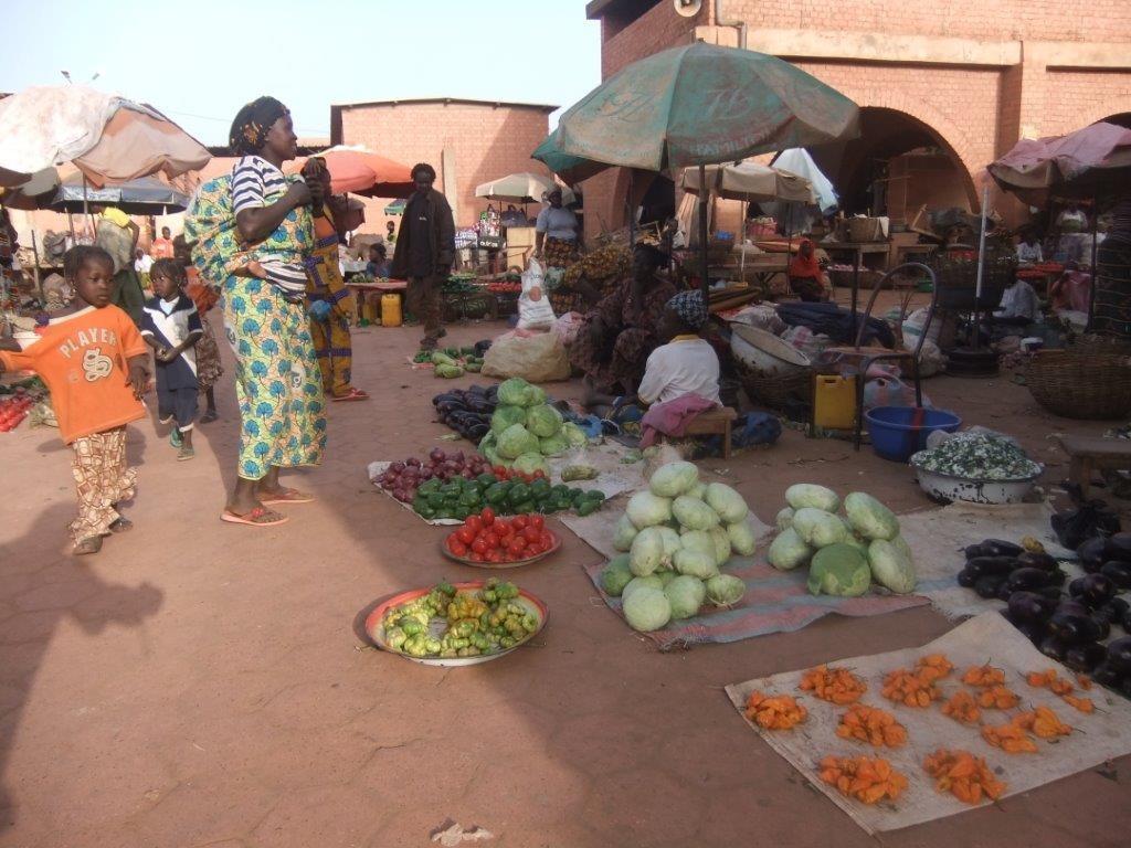 Sur le marché de Koudougou