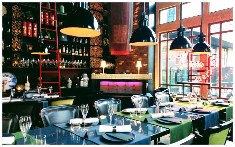 Diner DJ setting in het Conservatorium Hotel
