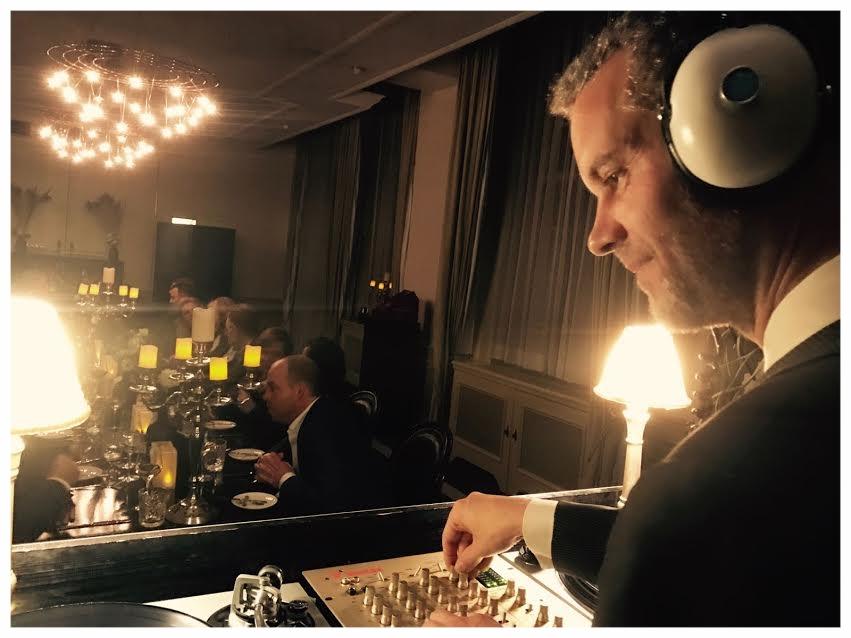 Zakelijk Kerstdiner in Kasteel Hoevelaken / Vinyl DJ huren
