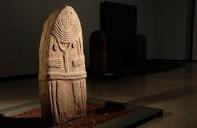 une statue menhir du musée Fenaille