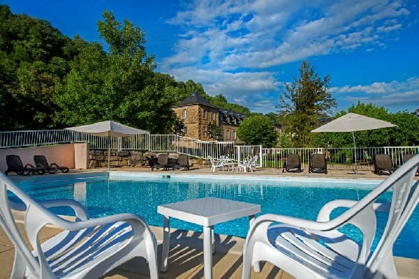 piscine 13 x 7m de l'Oustal