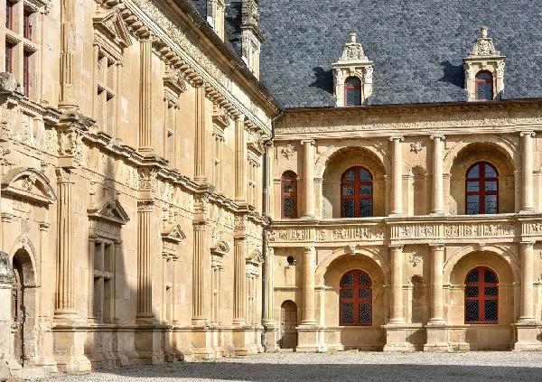 La façade du château renaissance de Bournazel
