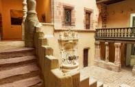le magnifique bâtiment qui abrite le musée Fenaille
