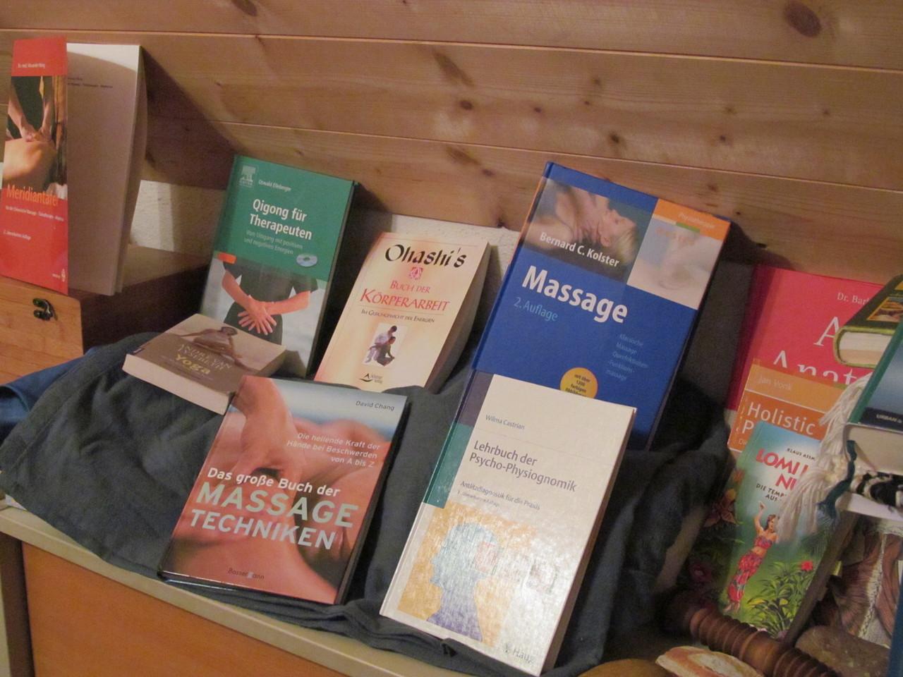 ...Bücher und wiederum Bücher...